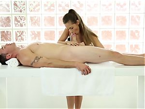 customer getting a glad ending massage
