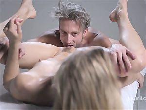 Deep erotic rubdown for the pallid gentle Alecia