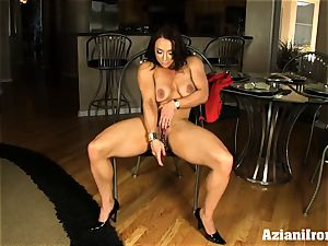 stunning fitness model fake penises her moist twat till she blows a load