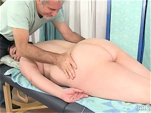 plus-size Gets Her figure, pussy and bootie massaged