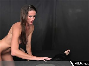Sofie Marie torrid cougar Gives ultra-cute blowage