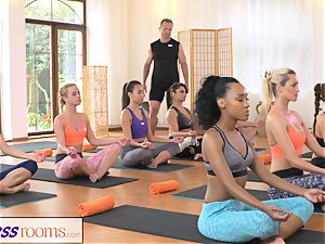 FitnessRooms perspiring cleavage in a apartment full yoga honies