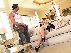 ash-blonde milf Ryan Conner cougar Alert Sn 4