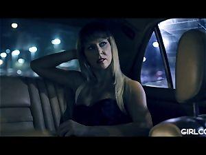 GIRLCORE Glam cougar Cherie Deville Facesits Kenna James