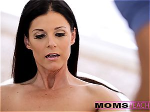 Moms instruct fucky-fucky - super-sexy mummy exchanges jizz with daughter