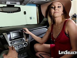 talkative mummy Aaliyah love gives a dt in your car