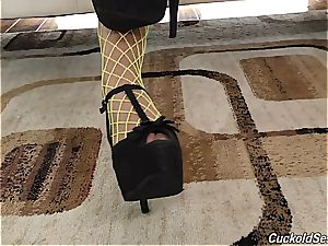 Fishnetted Alexa Tomas slut gets spit roasted by two BBCs