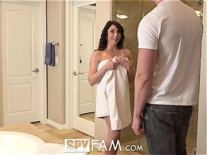 SpyFam Step mommy Christiana Cinn plumbs giant trunk step son