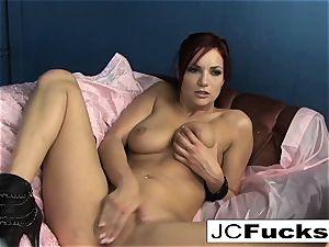 A voyueristic view into Jayden Cole's webcam show