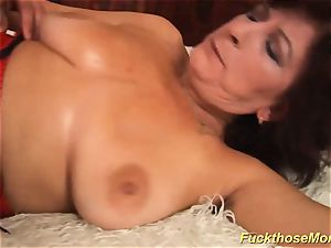 facial on huge-boobed wooly mom