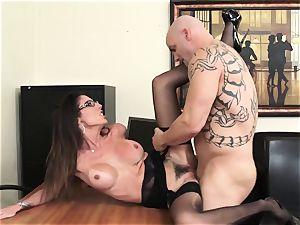Office bombshell Dava Foxx Blows Her manager to Keep Her Job