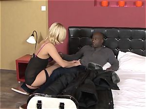 Invited a stranger hotwife trainer to pummel blond wife