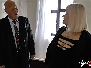 AgedLovE Mature woman Lacey Starr deepthroating rigid salami