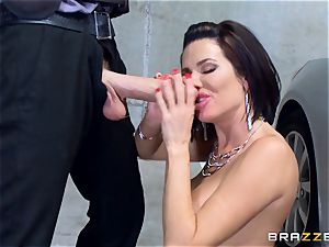 kinky mature Veronica Avluv arched over and fucked