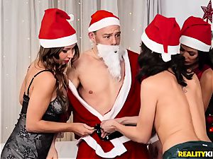 Xmas cunny tearing up foursome