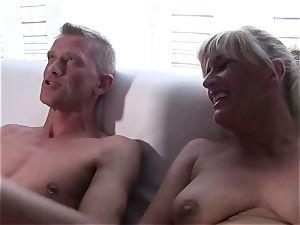 Reife Swinger - German mature swingers in warm FFM fuck-a-thon