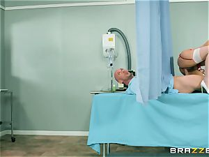 phat congenital orb young nurse Valentina Nappi wants to sense a yam-sized spear in her jaws