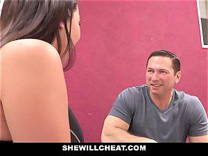 SheWillCheat cheating girlfriend Karlee Grey pummels Trainer