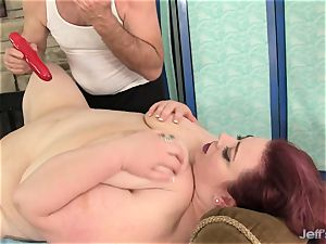 ample boobed bbw Miss Ladycakes gets a intercourse rubdown