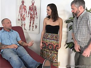 Jade Nile Has Her spouse blow fuckpole and watch Her
