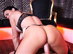 brit wonder dame Jasmine Jae packed in her outstanding clitoris muff