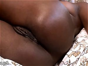 Ana Foxxx toys her hot cooter with a faux-cock
