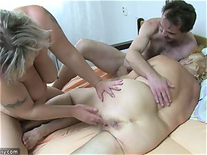 OldNanny grannie and mature jerked furry puss
